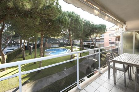 Apartments with pools for sale in Castell Platja d'Aro. Apartment – Castell Platja d'Aro, Catalonia, Spain