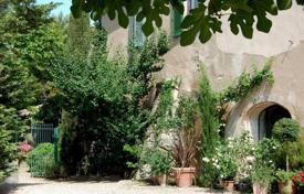 Luxury property for sale in Maussane-les-Alpilles. Maussane les Alpilles — Olive grove Property