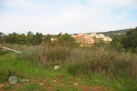 Development land for sale in Buron. Land with building permission and views of Valderrama Golf Course