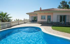 Houses with pools for sale in Gerona (city). Mediterranean style villa with a pool, a garden and a terrace, with a sea view, Begur, Spain