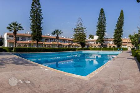 Apartments with pools for sale in Limassol. The apartment is 100 meters from the sea in a residential complex with two swimming pools, Limassol, Cyprus