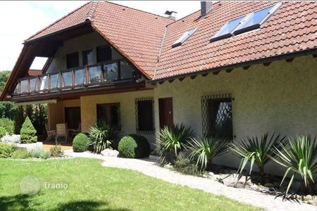 Houses for sale in Baden-Wurttemberg. Villa with partial lakeview and great capabilities in Überlingen