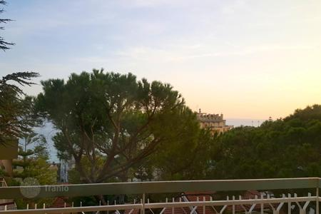 3 bedroom apartments by the sea for sale in Sanremo. Apartment – Sanremo, Liguria, Italy