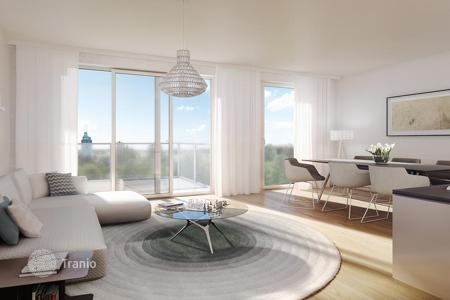 Apartments with pools for sale in Vienna. Apartment with terrace in new building with a garden and pool, close to the Danube River, 21 district of Vienna — Floridsdorf