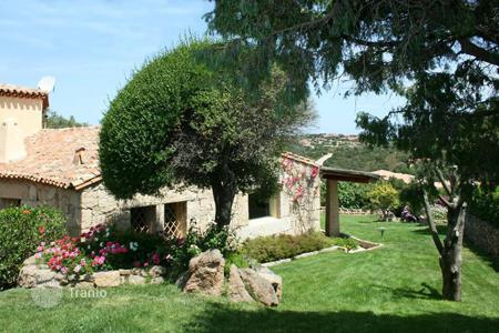 Residential for sale in Sardinia. Luxury villa for sale in Porto Cervo Marina