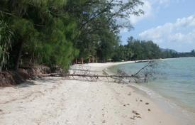 Development land for sale in Thailand. Land on the beach in Lipa Noi