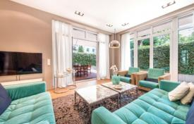Luxury apartments for sale in Munich. Apartment with a terrace, a garden and a parking, in Schwabing district, Munich, Germany