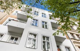 Property for sale in Germany. Elegant apartment with a balcony in a renovated classical Wilhelminian era building, near underground stations, Kreuzberg, Berlin