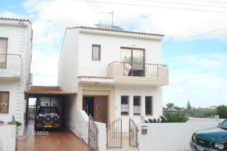 Property for sale in Meneou. Three Bedroom Linked Detached House-Reduced