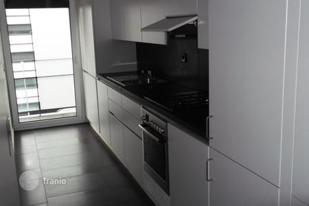 Condos for sale in Europe. Apartment in a residence with parking and children playground, in Lisbon, Portugal