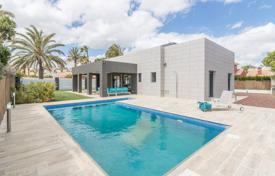 Villas and houses with pools by the sea for sale in Costa Blanca. New villa with a pool 200 meters away from the beach in Cabo Roig, Alicante, Spain