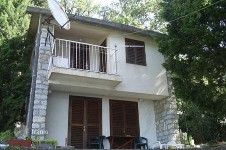 Coastal residential for sale in Perazića Do. Villa - Perazića Do, Budva, Montenegro