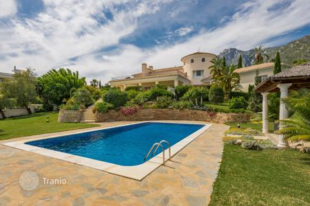 Coastal houses for sale in Malaga. Amazing villa in Cascada de Camoján, Golden Mile