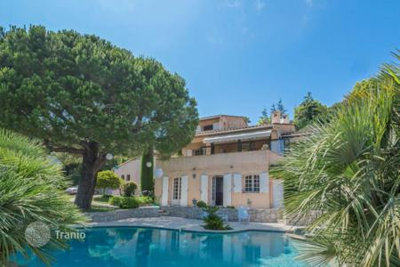 Luxury 5 bedroom houses for sale in Èze. Provençale style villa overlooking the sea in Eze, on the Cote-d`Azur, France