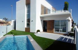 Cheap houses with pools for sale in Southern Europe. Villa – Rojales, Valencia, Spain