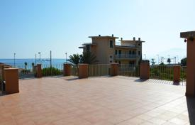 3 bedroom houses by the sea for sale in Liguria. Villa on the sea front with a panoramic terrace and a large garden in Bordighera, Liguria