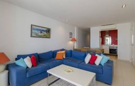 Apartments with pools for sale in Costa del Garraf. Modern apartment with a terrace, in a residential complex with a swimming pool and a tennis court, on the beach, Sitges, Spain