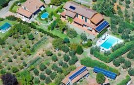 Luxury property for sale in Capannori. Villa – Capannori, Tuscany, Italy