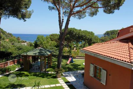 Coastal houses for sale in Livorno. Villa – Livorno, Tuscany, Italy