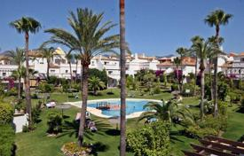 Townhouses for sale in Estepona. Terraced house – Estepona, Andalusia, Spain