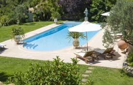 5 bedroom villas and houses to rent in Villefranche-sur-Mer. Provencale Villa Villefranche sur Mer