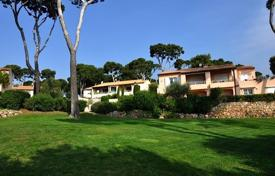 Apartments to rent in Côte d'Azur (French Riviera). Cap d'Antibes — 3 bedroom apart to rent — close to Garoupe