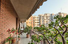 3 bedroom apartments for sale in L'Eixample. Cozy apartment near the Olympic Village in the Eixample district