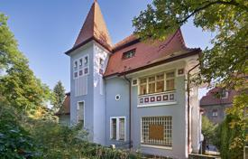 Houses for sale in Praha 5. Historic villa, which is a cultural monument, with a large garden and a parking, Prague 5, Czech Republic