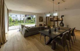 Residential for sale in Vienna. Furnished villa with a sauna, a fireplace, terraces and a garden, 18th district of Vienna, Austria