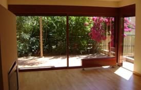 Residential for sale in Porto Rafti. Two-storey cottage, Porto Rafti, Greece. House with a picturesque garden, a garage for 2 cars, sea and mountain views, 200 m from the beach