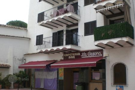 Cheap 3 bedroom apartments for sale in Moraira. Apartment of 3 bedrooms within walking distance to the beach in Moraira