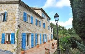 Property for sale in Carros. Townhome – Carros, Côte d'Azur (French Riviera), France