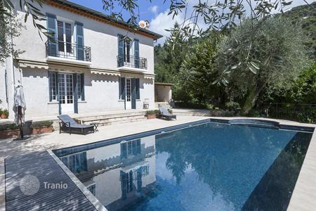 Luxury 5 bedroom houses for sale in Provence - Alpes - Cote d'Azur. Beautiful villa in Eze on the Cote d'-Azur, France