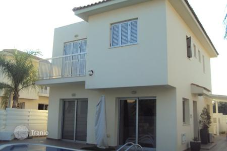 3 bedroom houses for sale in Pernera. Superp 3 Bedroom House 150 meters from the Beach in Pernera