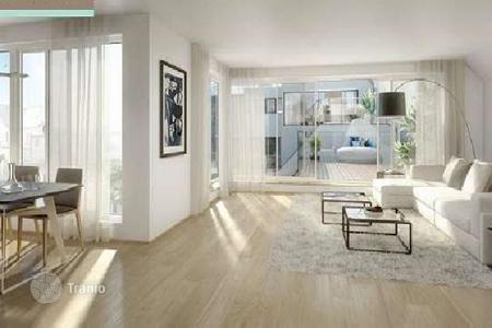 3 bedroom apartments for sale in Alsergrund. Four-room penthouse with a terrace and a lounge area in the center of Vienna, Alsergrund district