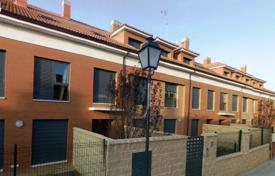 3 bedroom apartments for sale in Castille and Leon. Apartment – Valladolid, Castille and Leon, Spain