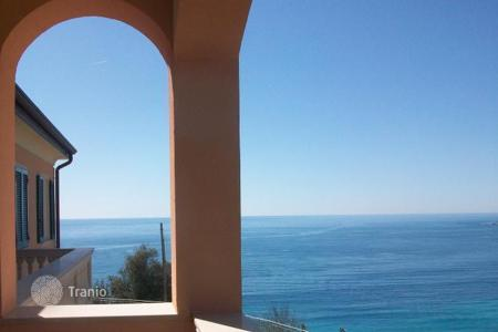 Apartments with pools by the sea for sale in Ospedaletti. Apartment – Ospedaletti, Liguria, Italy