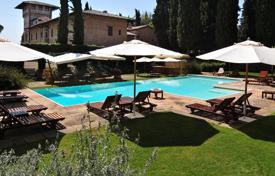 Beautiful villa with a large plot and an open-air swimming pool, Siena, Italy. Price on request