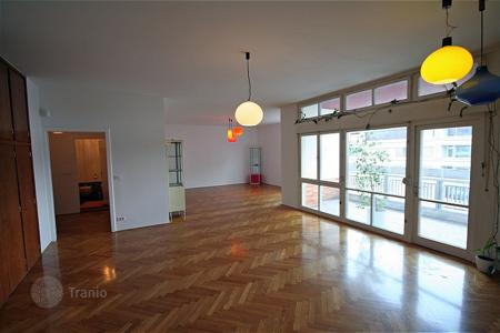 3 bedroom apartments for sale in Slovenia. This is a really well proportioned apartment in this very central location with parking