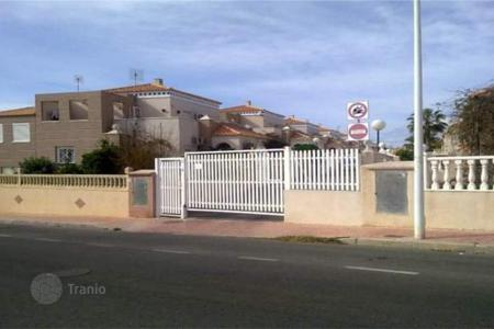 Foreclosed 3 bedroom houses for sale in Costa Blanca. Villa – Torrevieja, Valencia, Spain