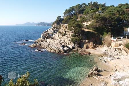 Luxury 5 bedroom houses for sale in Lloret de Mar. Villa – Lloret de Mar, Catalonia, Spain