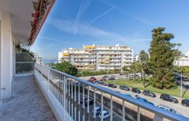 Cheap 1 bedroom apartments for sale in Provence - Alpes - Cote d'Azur. Comfortable apartment with a large balcony and a sea view, Nice, France