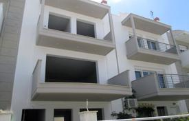 Coastal townhouses for sale in Nea Peramos, Kavala. Terraced house – Nea Peramos, Kavala, Administration of Macedonia and Thrace, Greece
