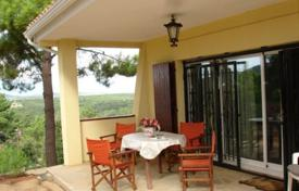 Cheap houses for sale in Costa Brava. Cozy house with 4 bedrooms in urb. Puig Ventos