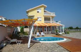 Houses with pools by the sea for sale in Burgas. Detached house – Sozopol, Burgas, Bulgaria
