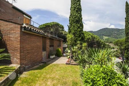 4 bedroom houses for sale in Costa del Maresme. Townhome – Cabrils, Catalonia, Spain