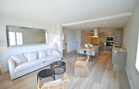 Residential for sale in Villefranche-sur-Mer. Renovated 4 room apartment with view over the harbour, Villefrenche