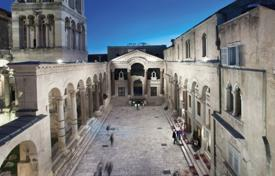 Property for sale in Split-Dalmatia County. Apartment in the heart of Diocletian Palace
