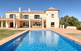 Luxury houses with pools for sale in Andalusia. Impressive Villa in Marbella Club Golf Resort, Benahavis