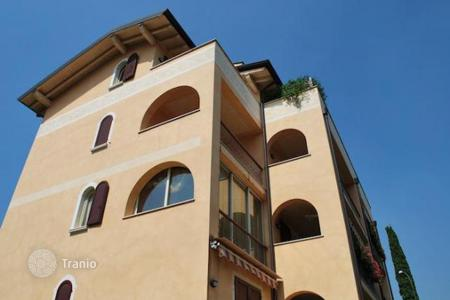 2 bedroom apartments for sale in Garda. Apartment – Garda, Veneto, Italy